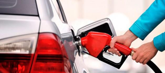 Rodar com tanque na reserva prejudica o carro e pode gerar multa