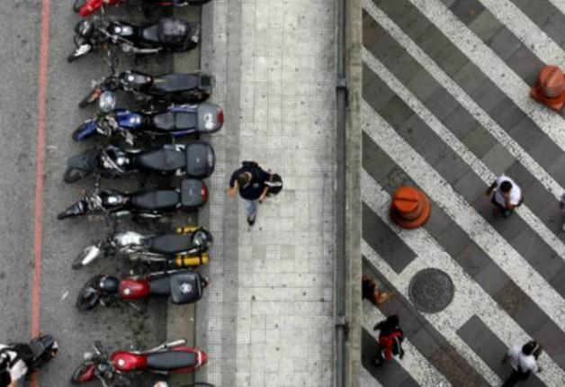 Motos possui um número maior que o de carros em 45% das cidades