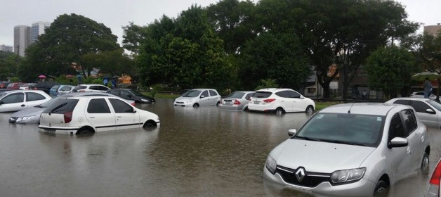 Acionamentos de seguros por enchentes em março aumentam 560% em São Paulo